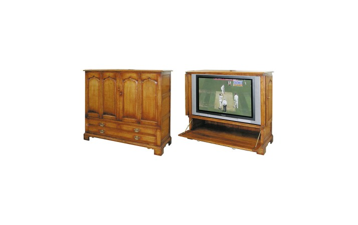 Titchmarsh & Goodwin TV Cabinet