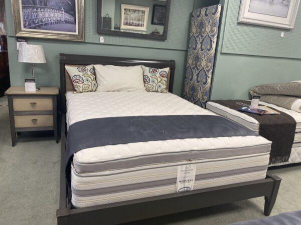 5' Bed display
